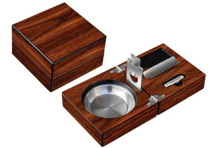 Folding Ashtray Set w/ Accessories