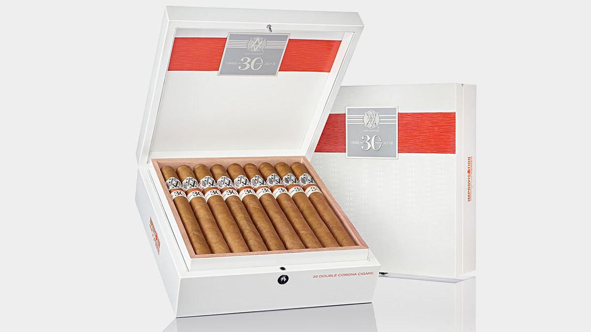 Avo 30 Years  Signature Double Corona  Cigars