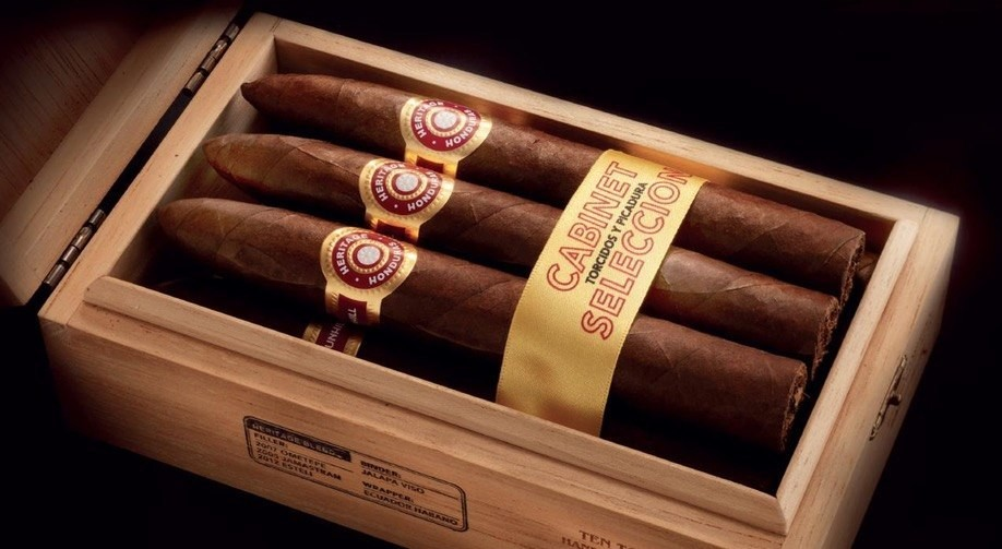 Dunhill Heritage  Robusto  Cigars
