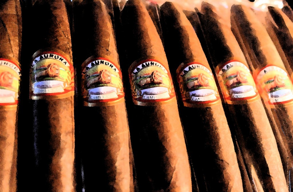 La Aurora Preferidos  Diamond Toro  Cigars